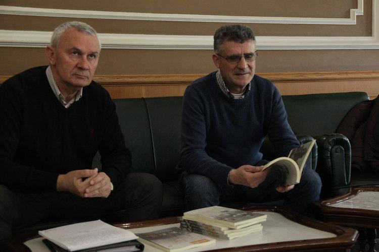 Ourense. 14-06-2016. Presentación Cuadernos da Limia. Delfín Caseiro, Manuel Seoane. Paz